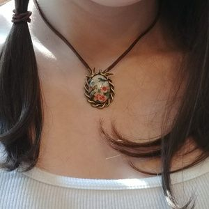 Jewelry - Vintage Look Birds & Bees Choker